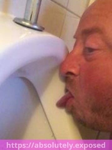 toilet_licking